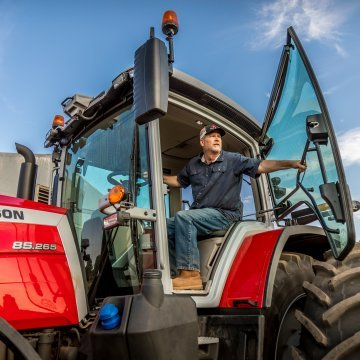 NEW EQUIPMENT HIGHLIGHTS FROM SUMMER FARM SHOWS